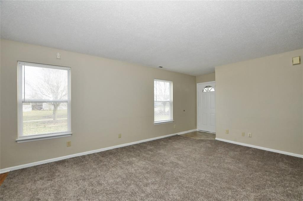 2202 N Summer Breeze Way, Greenwood, IN 46143 image #4