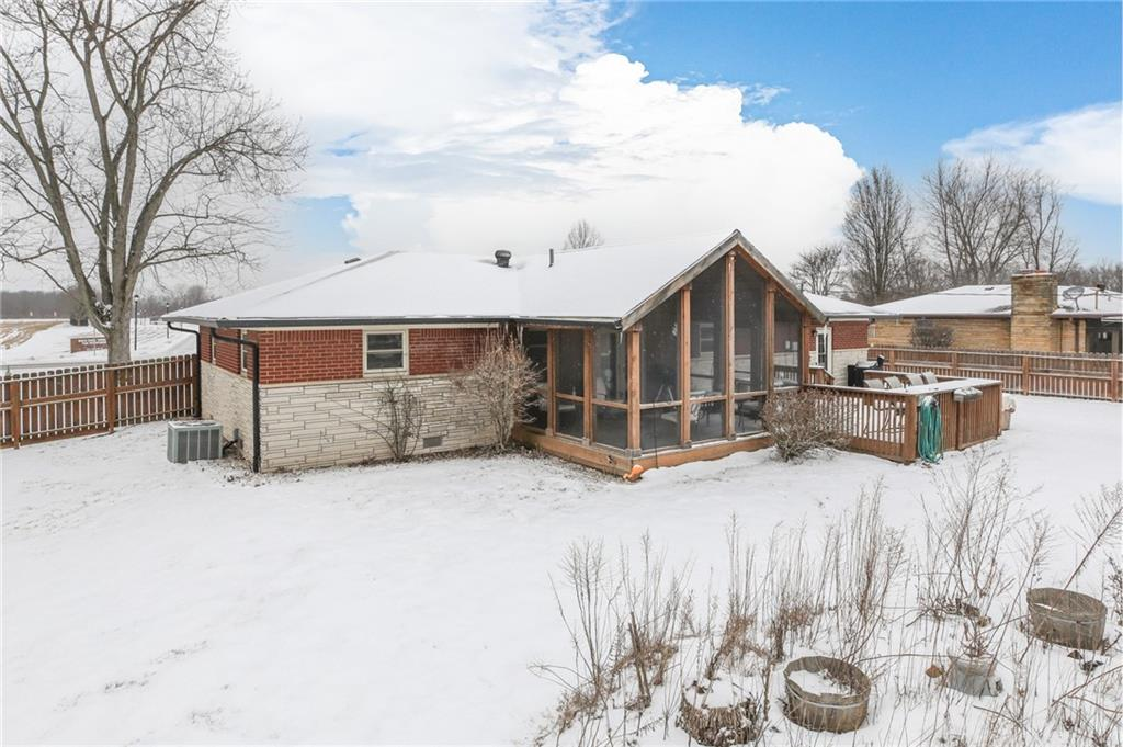 843 N Mullinix Road, Greenwood, IN 46143 image #1