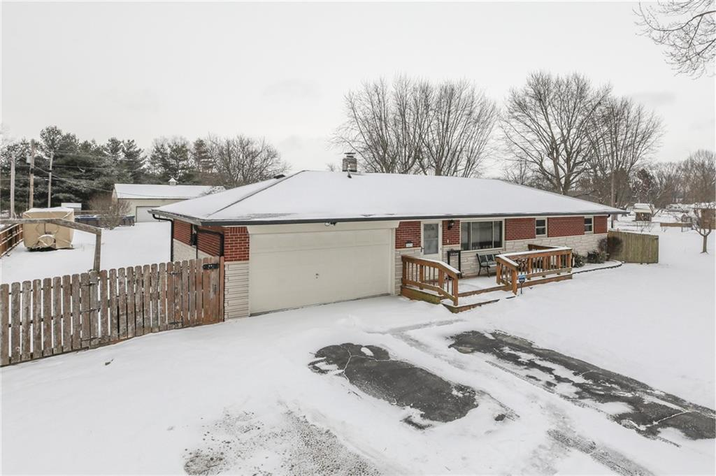 843 N Mullinix Road, Greenwood, IN 46143 image #2