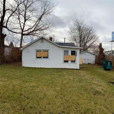 1011 W 11th Street, Muncie, IN 47302