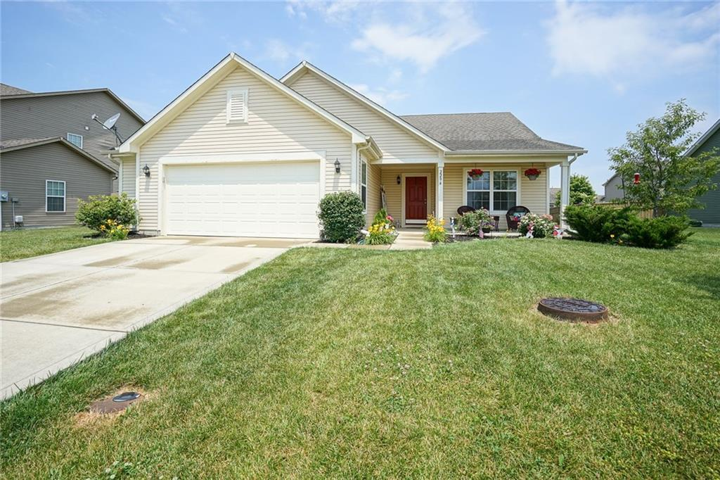 2294 E Spring Dipper Drive, Greenfield, IN 46140 image #1