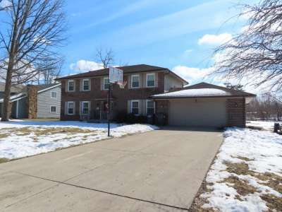 2101 W Pineview Drive, Muncie, IN 47303