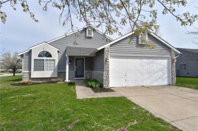 1492 W Rebecca Lane, Franklin, IN 46131