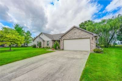 914 S Windhaven Court, New Palestine, IN 46163