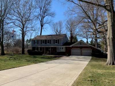 3162 S Lake Court, Greenwood, IN 46142