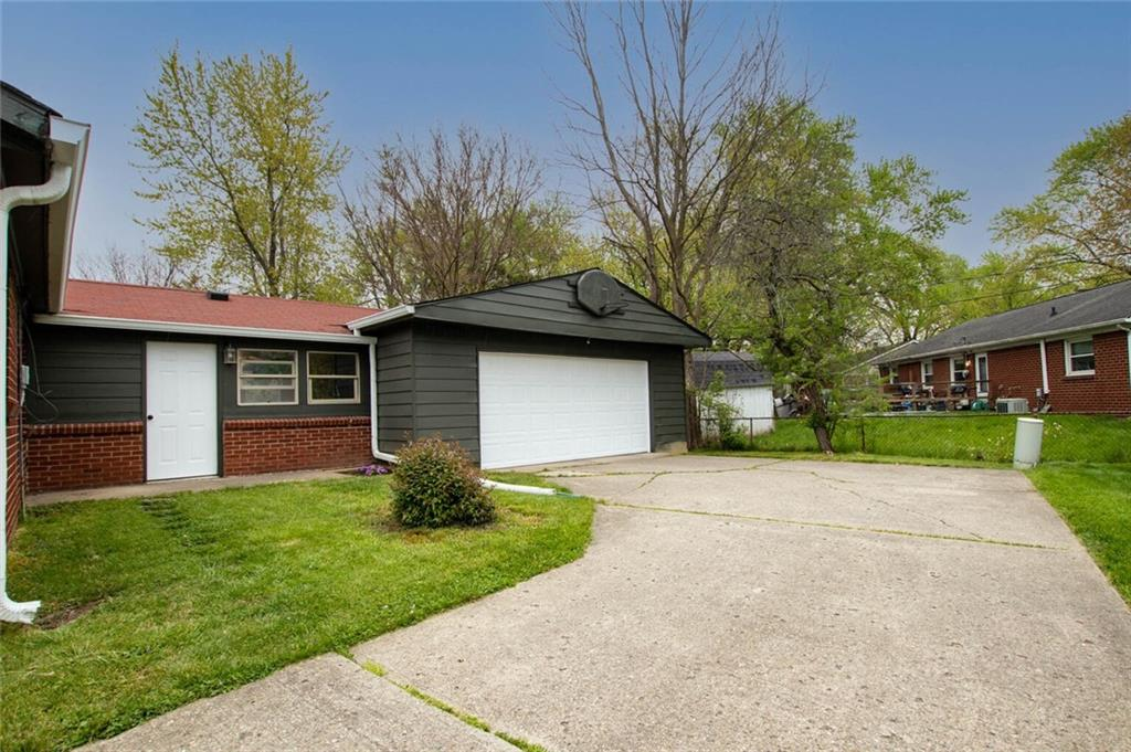 10205 S Churchill Court, Indianapolis, IN 46229 image #30