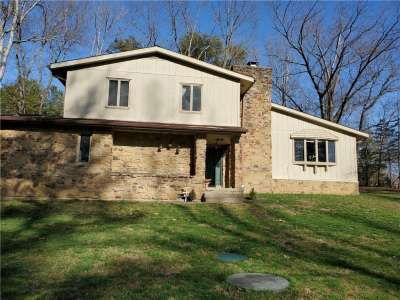 637 W Highland Drive, Nashville, IN 47448