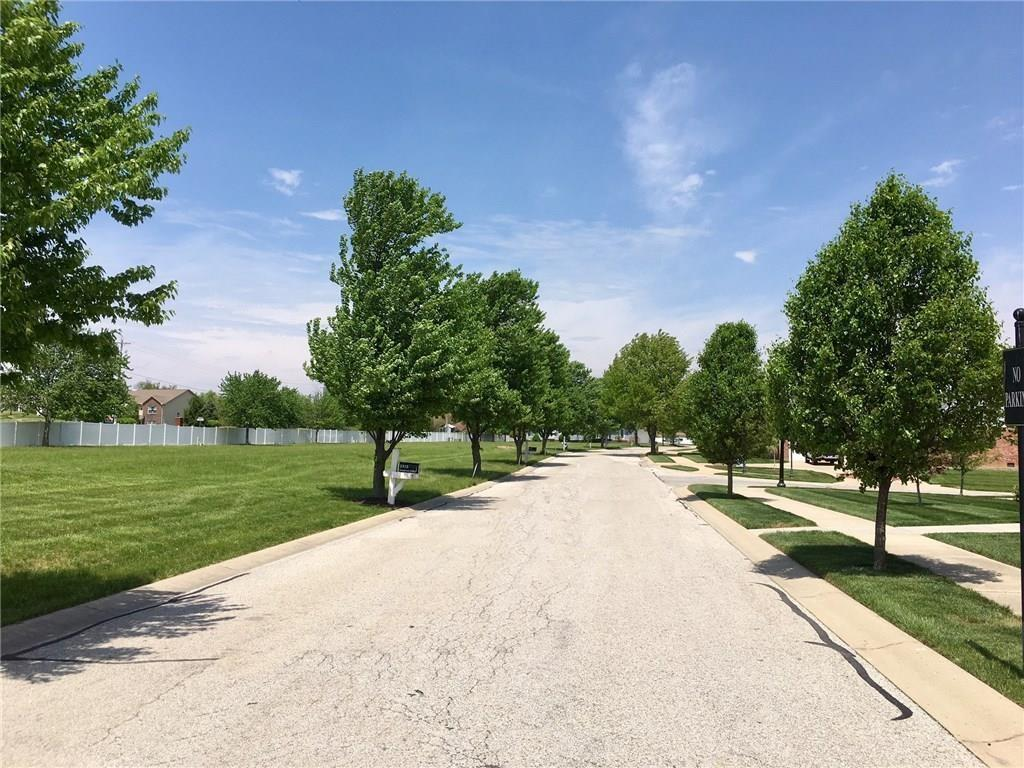 2262 E Somerset Drive, Franklin, IN 46131 image #3