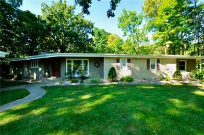 9233 W Forest Drive, Elwood, IN 46036