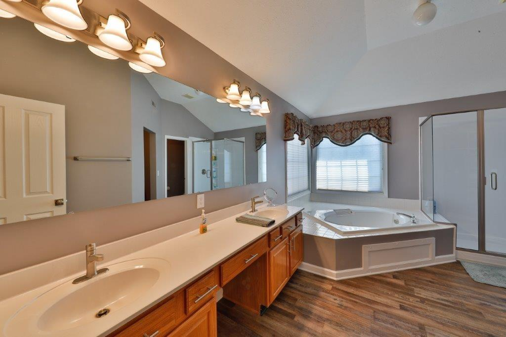 11719 S Mesa Valley Court, Fishers, IN 46037 image #9