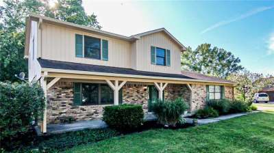 1206 S Sherwood Drive, Greenfield, IN 46140