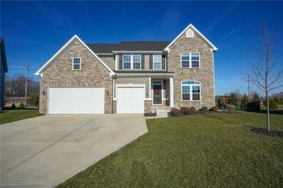 12043 W Eagletree Court, Zionsville, IN 46077