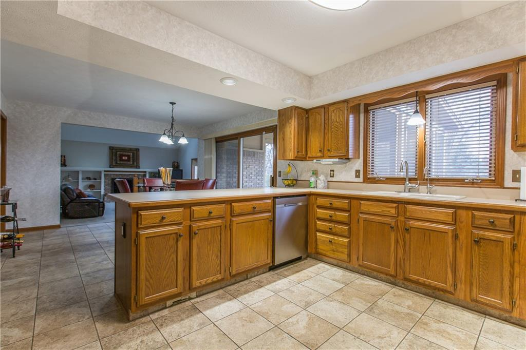 12702 E Bay Run Court, Indianapolis, IN 46236 image #6