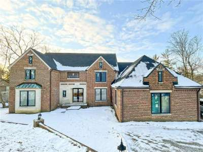8449 Bay Colony Drive, Indianapolis, IN 46234