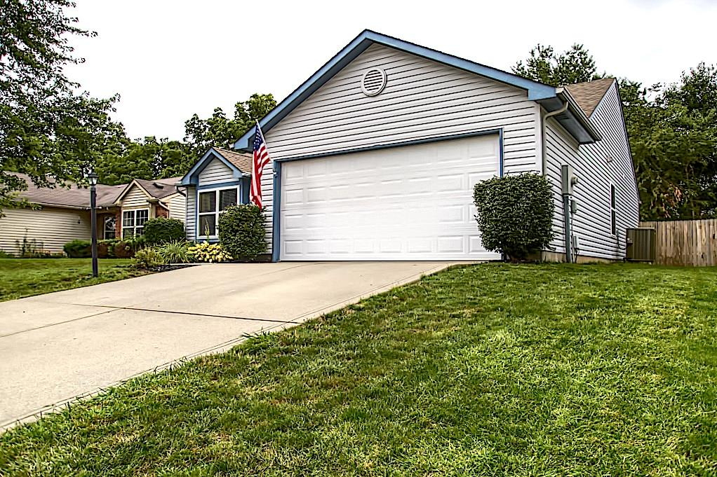 1327 N Blue Heron Lane, Greenwood, IN 46143 image #2