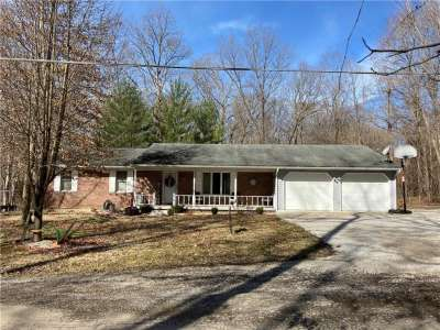 418 N Oakwood Drive, Rockville, IN 47872