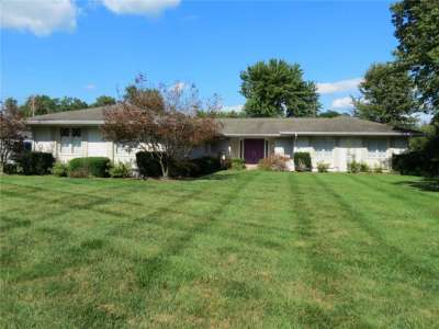 3447 W Woodland Place, Columbus, IN 47203