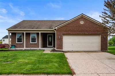 1307 E Oak Lake Lane, Brownsburg, IN 46112
