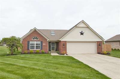 5208 W Stonehaven Lane, New Palestine, IN 46163