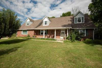 525 S Restin Road, Greenwood, IN 46142