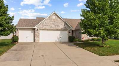 1060 N Berrywood Drive, Greenwood, IN 46143