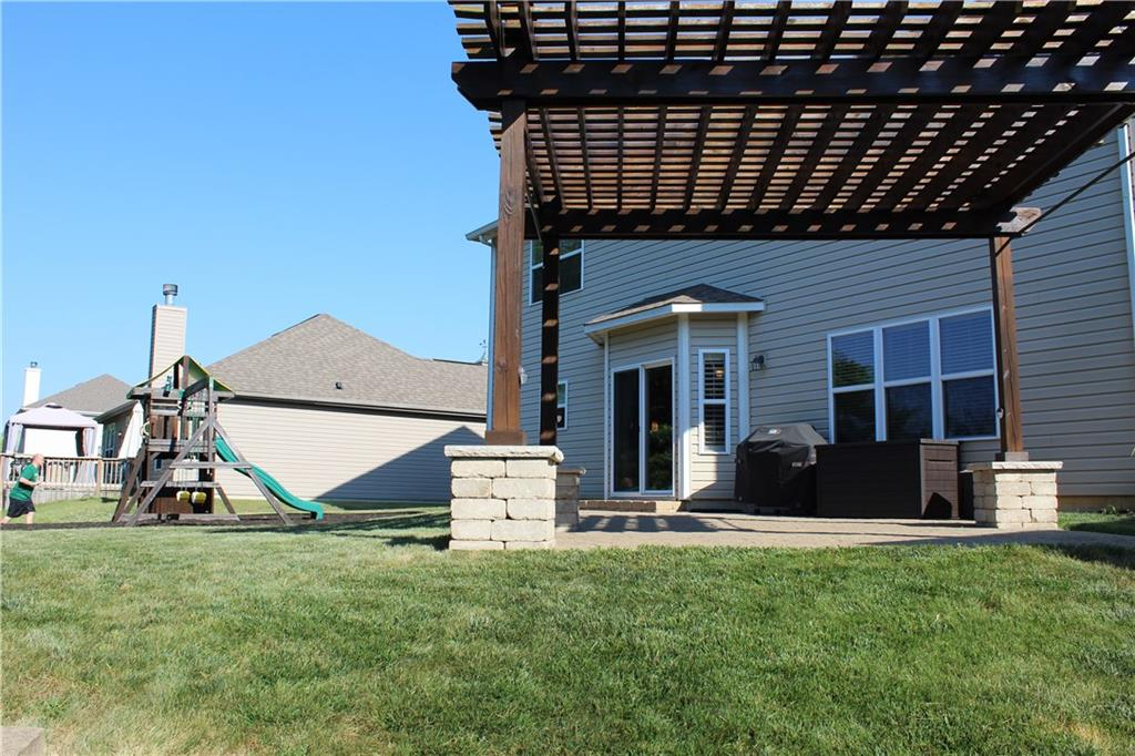 1007 E Heatherwood Drive, Greenwood, IN 46143 image #19