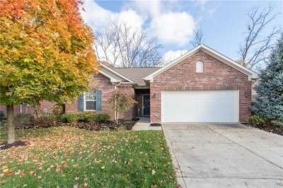 9849 E Brook Wood Drive, McCordsville, IN 46055