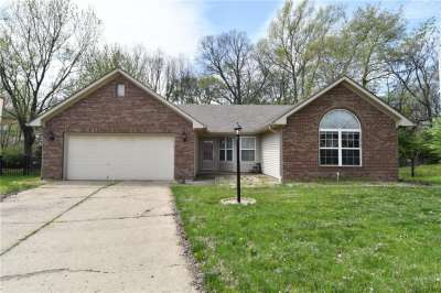 888 N Preakness Drive, Greenwood, IN 46143