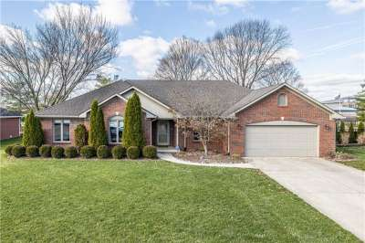 318 Elmscourt Circle, Greenwood, IN 46142