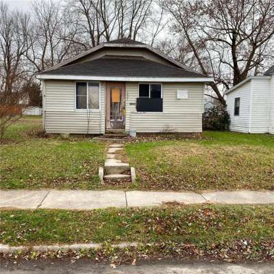 1421 W 14th Street, Muncie, IN 47302