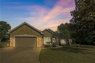3896 S Arrowhead Court, Greenfield, IN 46140