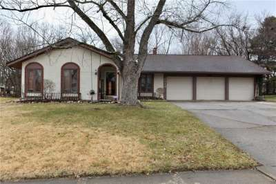 3318 W Shadow Brook Drive, Indianapolis, IN 46214