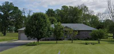 6372 W Us Highway 52, New Palestine, IN 46163