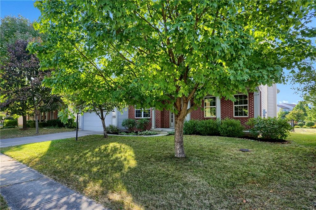 11823 E Stepping Stone Drive, Fishers, IN 46037 image #2