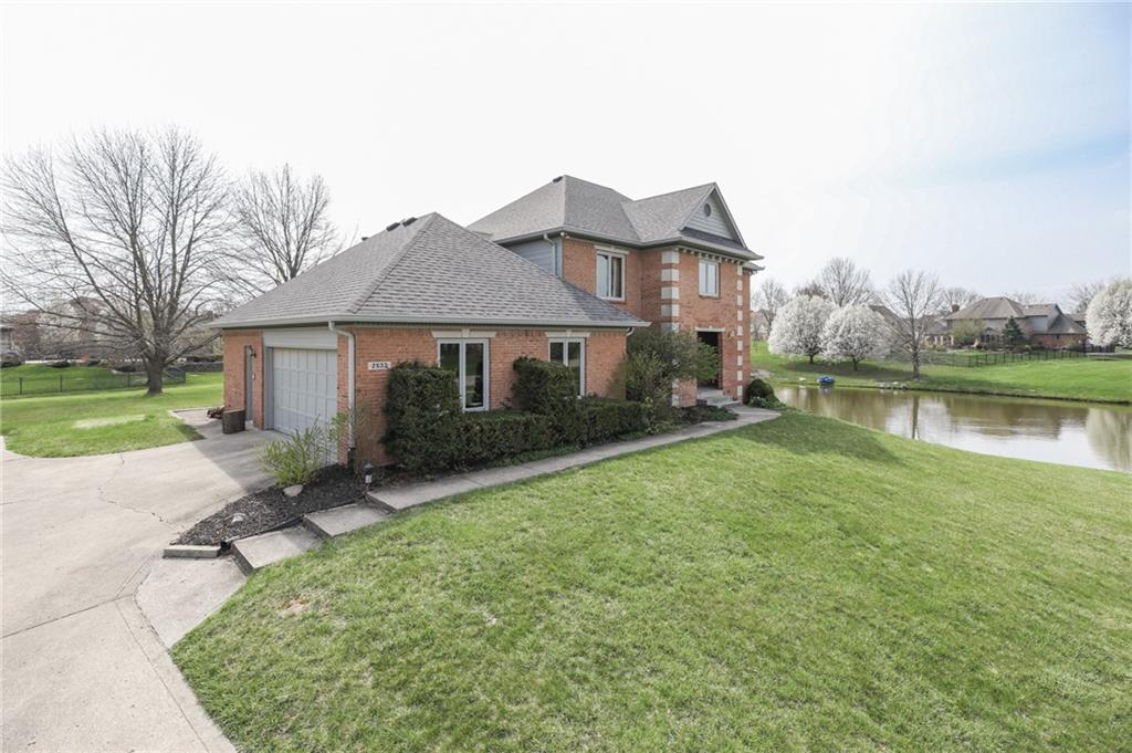 2533 N Willow Lake Drive, Greenwood, IN 46143 image #2