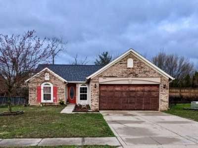 4080 W Fairoaks Drive, Franklin, IN 46131