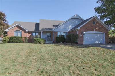 503 W Pebble Way, Greenwood, IN 46142