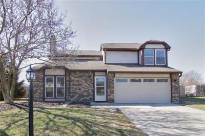 11704 S Holland Drive, Fishers, IN 46038