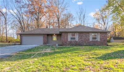 3211 W Sharon Drive, Greenfield, IN 46140