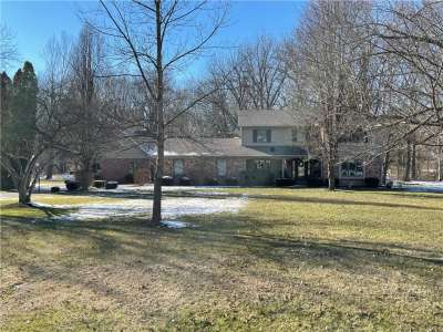 4206 E Maple Hill Drive, Greenwood, IN 46143