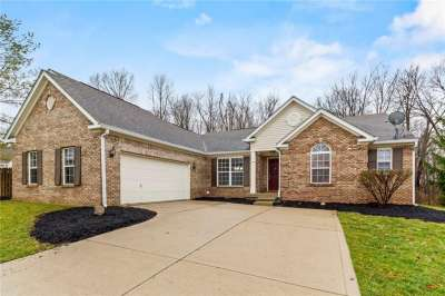 9881 W Cascades Court, Fishers, IN 46037