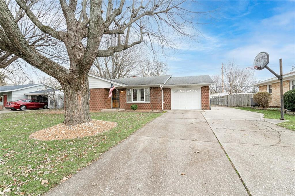 715 E Howard Road, Greenwood, IN 46142 image #1