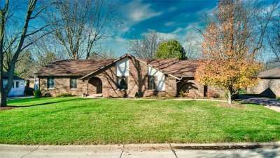 548 N Elbow Bend Blvd, Greenwood, IN 46142