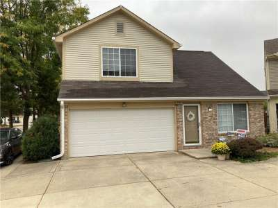 591 E Mountain Pine Drive, Greenwood, IN 46143