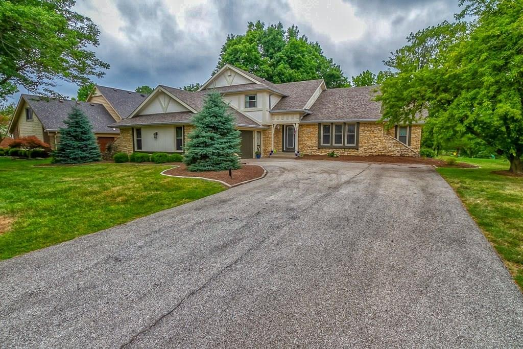 3192 N Golfview Drive, Greenwood, IN 46143 image #0