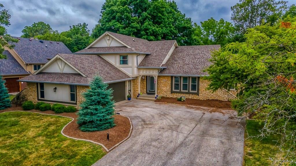 3192 N Golfview Drive, Greenwood, IN 46143 image #2