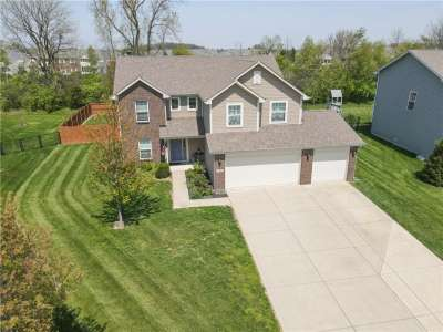 4398 W Parkway Court, New Palestine, IN 46163