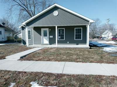 1003 S 3rd Street, Clinton, IN 47842