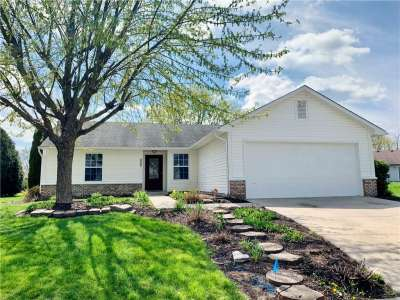2607 W Cooper Pointe Circle, Indianapolis, IN 46268