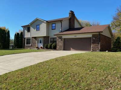 1202 N Sherwood Drive, Greenfield, IN 46140